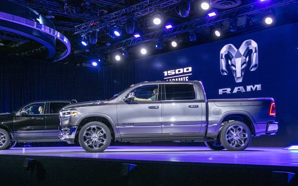 Ram Ford Chevy Pickup Trucks Steal The Detroit Auto Show - Dodge car show 2018
