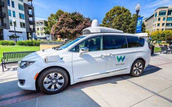Lyft, Waymo Team To Launch Robo-Taxis In Phoenix 05/08/2019