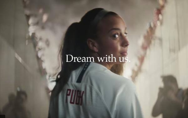 pensamientos sobre imágenes oficiales fuerte embalaje Amid New Discrimination Claims, Nike Releases Next 'Dream' Ad 05/14/2019