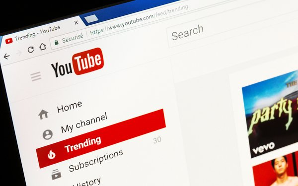 Google Testing Augmented Reality 3D, YouTube Live Stream