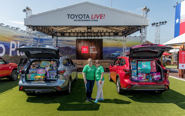 Texas State Fair 2020 Schedule.Nissan Toyota Chevy Launch Trucks At State Fair Of Texas