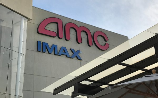 Amc Theatres Won T Play Universal Pictures Movies Blames Trolls World Tour Dispute 04 30 2020