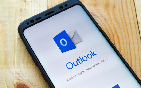 Microsoft Outlook Glitch Sends Incoming Emails To Junk Folder