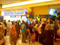 Auntie-Anne-B