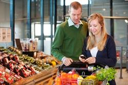 Shopper-Phone-Shutterstock-B