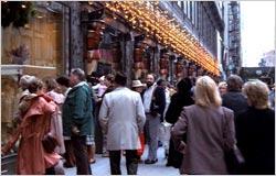 Christmas-crowds-B