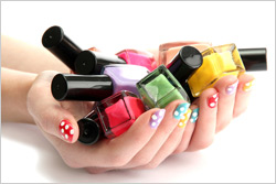 Hands-nail-polish