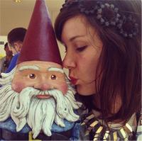 Girl-kissingGnome-B