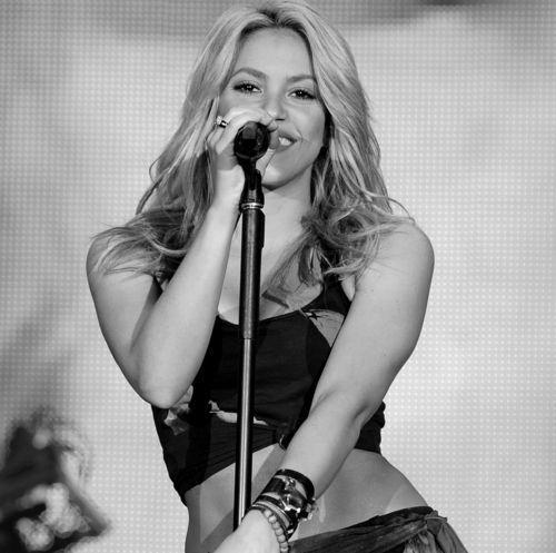 Ich spritze für Shakira in meinen Mund