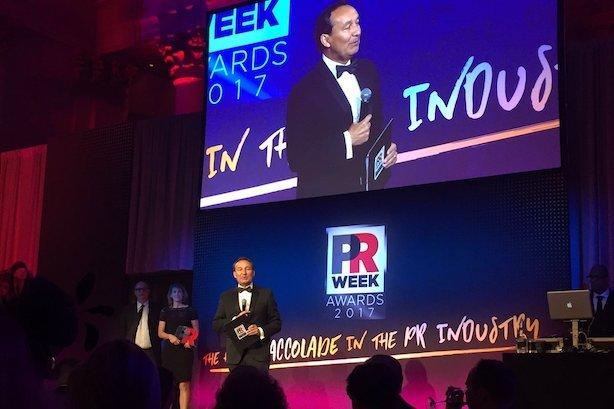 2017 PRWeek U.S. Awards honor United Airlines CEO Oscar Munoz and Weber Shandwick