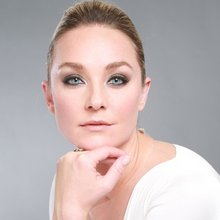 7 Questions with Actress Elisabeth Rohm - Inspirer