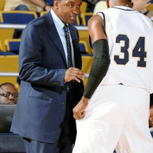 FIU's Isiah Thomas Stepchild in South Florida's Cluttered Sports Scene