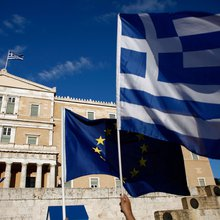 Fatigued Investors Want Draghi to Buy Greece Before They Do