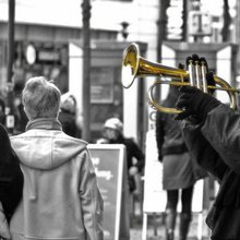 Science Busking for Research Funds: Crowdfunding in Australia