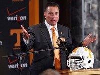UT football coach Butch Jones savvy in utilizing Twitter for benefit of program