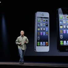 IPhone 5 is bigger but lighter, new iPod screens shine - Newsday
