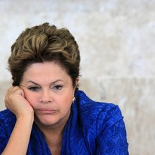 Brazil's Rousseff turns to women to fight impeachment