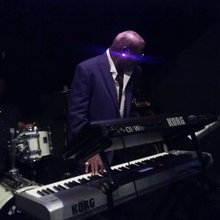 Diamonds & Pianos an Interview with Mystro about Prince!