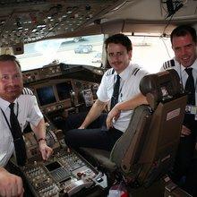 Pilotspotting: The Art of Recognizing a Pilot On Sight