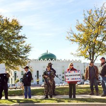 10 Days with the Muslims of Irving, Texas-and the Armed Men Outside of Their Mosque