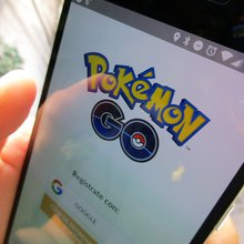 Here's how some businesses are luring Pokémon Go players (Video)