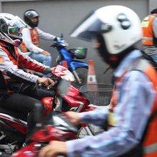 Bangkok's 'motorcycle mamas' roar into men's world