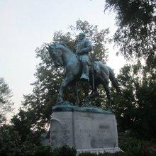 Virginia Social Justice Warriors Want to Tear Down Robert E. Lee Statue - Breitbart