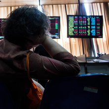 China Stock Analysts Were Among World's Worst Amid Surprise Rout