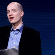 """Alain de Botton on making the humanities useful, studying ads, and the need for a """"wisdom industr..."""