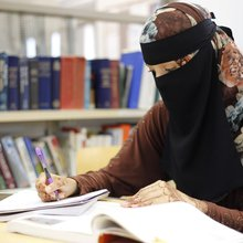 Niqab-wearing Muslim student refuses teacher's request to unveil - The Signal
