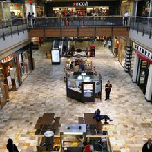 Mall Short Sellers Feel Some Pain