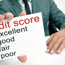 What credit score do I need to refinance?