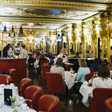 Tea at Oscar Wilde's Old Hangout - Mel Had Tea