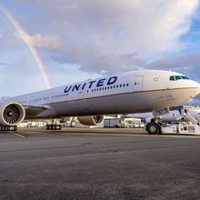 United takes first 777-300ER amid widebody fleet shifts