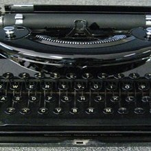 Typewriters making comeback, Phoenix-area shop taking advantage