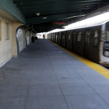New Yorkers volunteer to accompany commuters