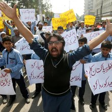 Protests after Pakistan detains alleged architect of Mumbai attack