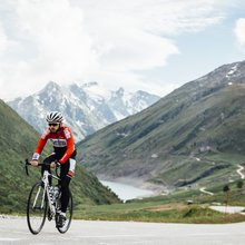 How to climb the Col de la Croix de Fer (video) - Cycling Weekly