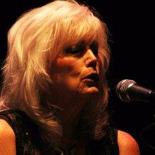 Emmylou Harris, Steve Earle, And Robert Plant Shine Concert For Refugees Tour