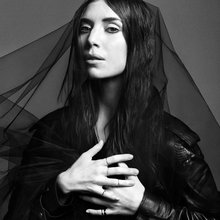 (2014) Lykke Li hauntingly lovelorn on 'I Never Learn'