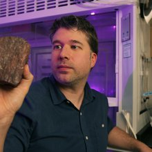 'Oldest record of life on Earth' found in Quebec