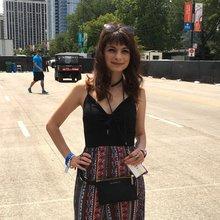 Editor + Writer   Chicago   Nicole J. Briese