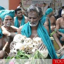 Tamil Farmers Bring Skulls Of Dead Brethren To Delhi As A Sign Of Protest
