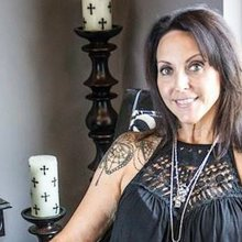 After breast cancer took her mother, this tattooist helps survivors heal by covering scars with a...