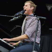 On Zombies in America tour, Andrew McMahon makes it a family affair