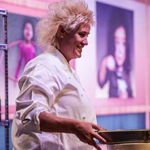 Chef Anne Burrell Dishes on School Lunches and Healthy Eating