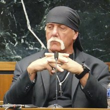 Gawker has a strong first amendment case - that it keeps undermining