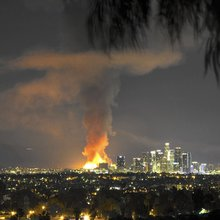 'Tower of fire' destroys L.A. apartment complex under construction