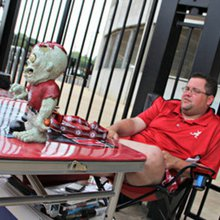 This Alabama fan camps out at Bryant-Denny Stadium every year to be first in line at Fan Day