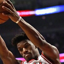 As Jimmy Butler Sizzles, Bulls Struggle to Play .500 Ball